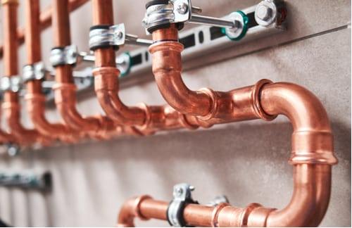 Plombier Perpignan - Réseau de tuyaux en cuivre