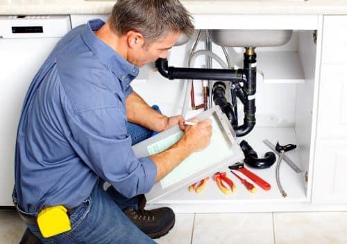 plombier annecy - inspection d'un siphon d'évier
