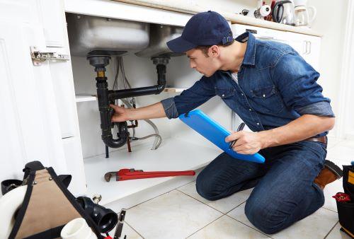 plombier Paris 16 - inspection d'un évier