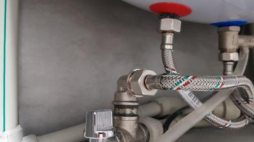 plombier argenteuil - photo des raccordements d'une chaudière