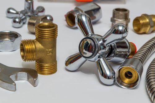 Plombier Narbonne - Outils de plomberie et pièces de rechange.