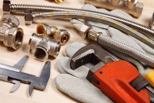 plombier Mantes-la-Jolie - des outils spécifiques à la plomberie