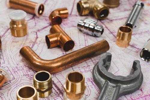 Plombier Aubagne - Outils et objets de plomberie.