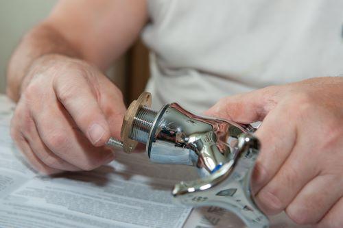Plombier Saint-Priest - Installation d'un robinet de bain