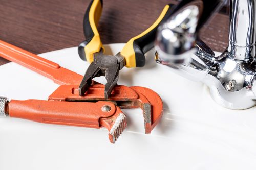 Plombier Tarbes - Outils de plomberie.