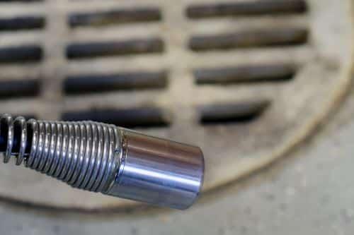 plombier Villeneuve-Saint-Georges - une caméra d'inspection des canalisations