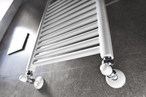 plombier Mons-en-Barœul - un radiateur porte-serviette